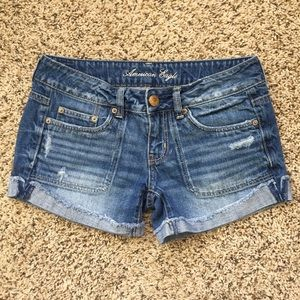 American Eagle Destroyed Jean Shorts size 4!